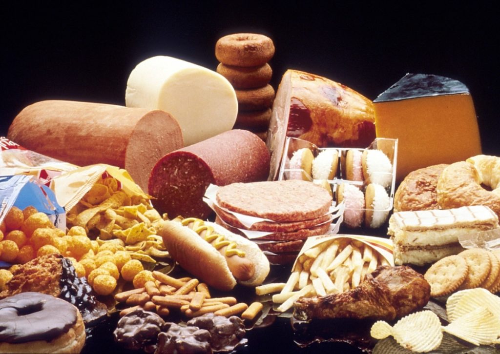 f unhealthy processed food to show what would raise the cholesterol on a nutrition label